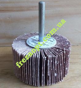 Круг лепестковый на оправке КЛО (60x30x6x72) P60
